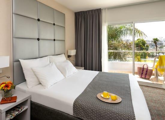 חדר במלון אסטרל נירוונה באילת / צילום: אסטרל
