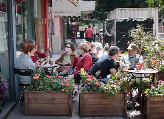 בית קפה בדיזנגוף / צילום: Shutterstock
