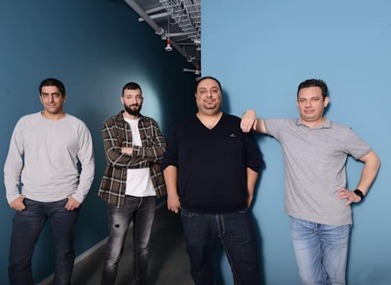 מימין: השותפים לבנברג וארונשוילי וההאקרים פאבל ליברמן ורז חג'ג' / צילום: איל יצהר