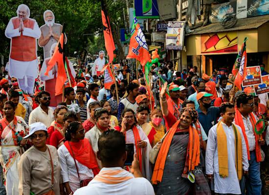 עצרת בחירות עם אלפי משתתפים בעיר קולקאטה / צילום: Associated Press, Bikas Das