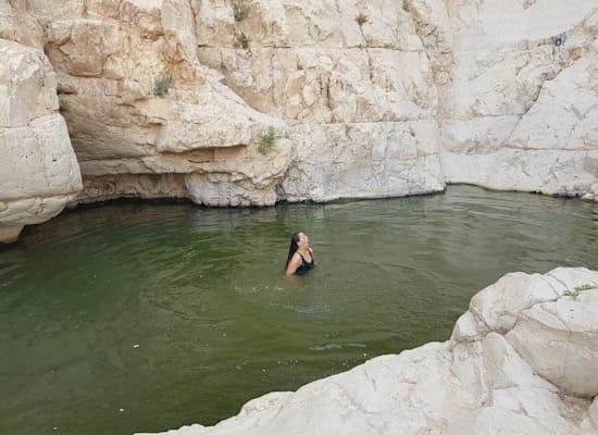 מים קרירים בגב קינה / צילום: אורלי גנוסר