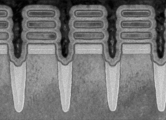"""שבבים בגודל 2 ננומטר המבוססים על טכנולוגיית Nanosheets / צילום: יח""""צ יבמ"""