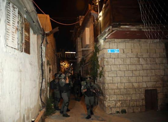 כוחות משטרה בשיח ג'ראח  אתמול / צילום: Associated Press, Mahmoud Illean