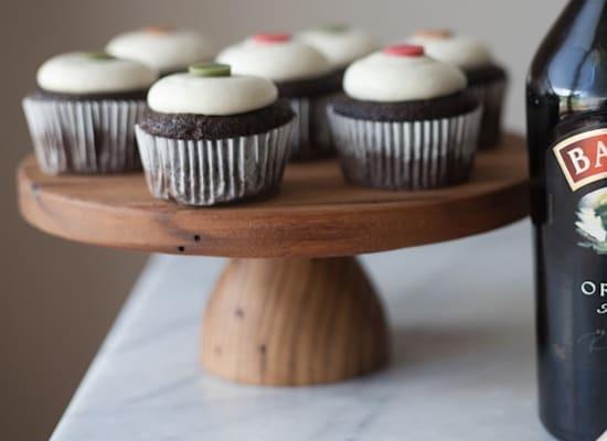קאפקייק שוקולד ובייליס(אייריש קרים) / צילום: באדיבות אתר דיאג'יו