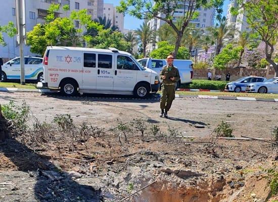 """זירת הנפילה באשדוד / צילום: דוברות מד""""א"""