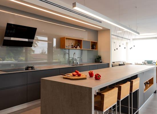 אי גדול במטבח / צילום: Shutterstock