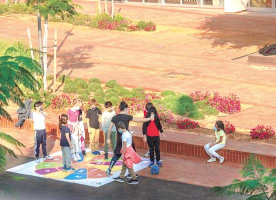 """בית ספר בקורונה. """"יש מהלכים שנעשו במהלך המגפה וכדאי לאמץ באופן קבוע"""" / צילום: Shutterstock"""