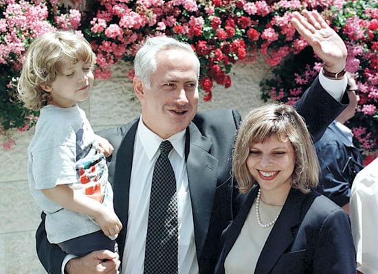 משפחת נתניהו לאחר הניצחון, מאי 1996 / צילום: Reuters, Jim Hollander