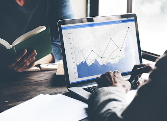 דאטה סנטר הייפר סקייל מאפשר לארגון פיננסי להתמקד בפעילות הליבה וצמיחה עסקית / צילום: Shutterstock