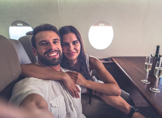 זוג בטיסה פרטית / צילום: Shutterstock