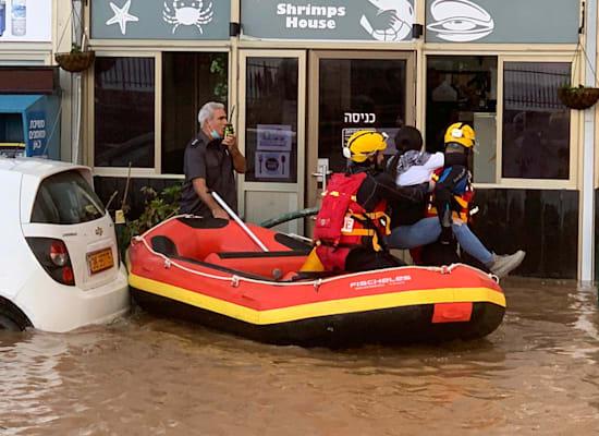חילוץ בשיטפון באזור חיפה, נובמבר 2020 / צילום: חילוץ והצלה