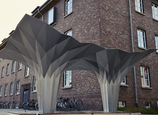 עמודים בתכנון ובביצוע FOLDSTRUCT / צילום: טל פרידמן אדריכלות בשיתוף פולדסטראקט