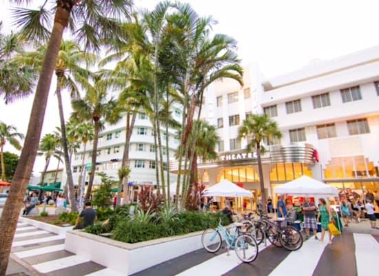 לינקולן רואד במיאמי, פלורידה. ''זה הפיפת' אווניו של מיאמי ביץ''' / צילום: באדיבות  אלטו נדל''ן