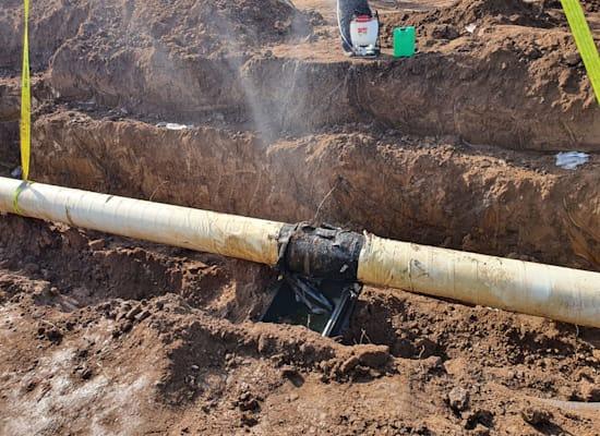 צינור דולף של קצא''א / צילום: המשרד להגנת הסביבה