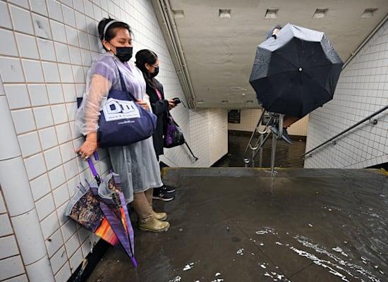הרכבת התחתית של ניו יורק מוצפת / צילום: Reuters, Anthony Behar/Sipa USA