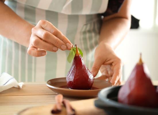 אגסים ביין / צילום: Shutterstock