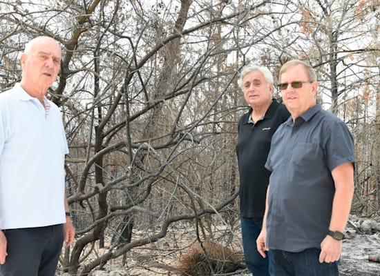 מימין: אבי זינגר מנכ''ל בן & ג'ריס ישראל, עוזי ברזילי ומתן וילנאי / צילום: מורג ביטן