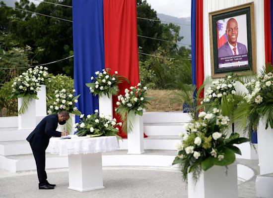 פרידה מנשיא האיטי ז'ובנל מואיז / צילום: Associated Press, Joseph Odelyn