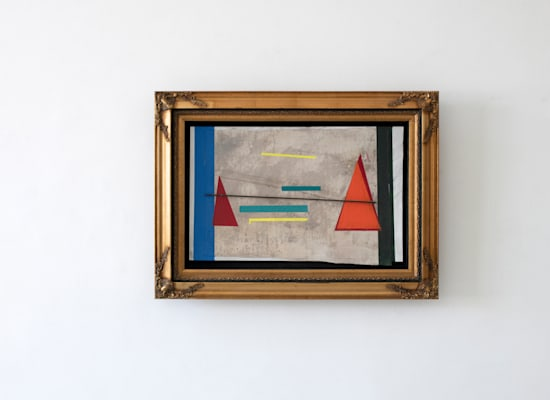 Philip Rantzer, Skyline, 2021, mixed media, 69x10x97cm / צילום: באדיבות גלריה גורדון