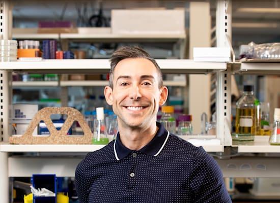 פרופ' ויל ו. סרובר השלישי, ראש מעבדת החומרים החיים באוניברסיטת בולדר, קולורדו / צילום: אוניברסיטת בולדר, קולורדו