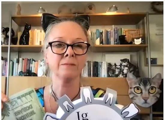 זוזן שוץ, בלשנית שחקרה אינטונציות של חתול / צילום: צילום מסך מהטקס