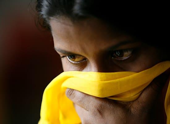 ילדה שחולצה מתנוחות סחר בילדים בדאקה, בנגלאדש / צילום: Reuters, Andrew Biraj