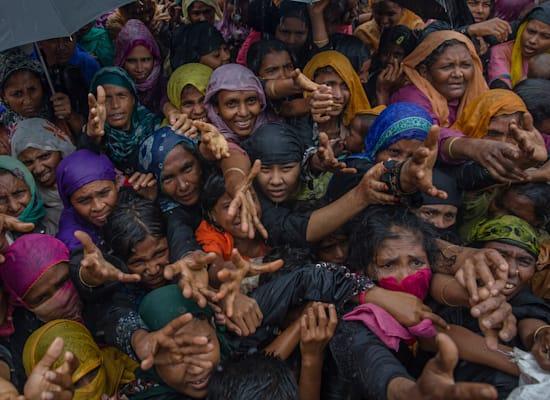 נשים מהמיעוט הרוהיניגי שברחו ממינאמר לבנגלדש, 2018. פייסבוק הכירה בכך שלא פעלה מספיק לעצירת ההסתה לאלימות נגד הקבוצה האתנית / צילום: Associated Press, Dar Yasin