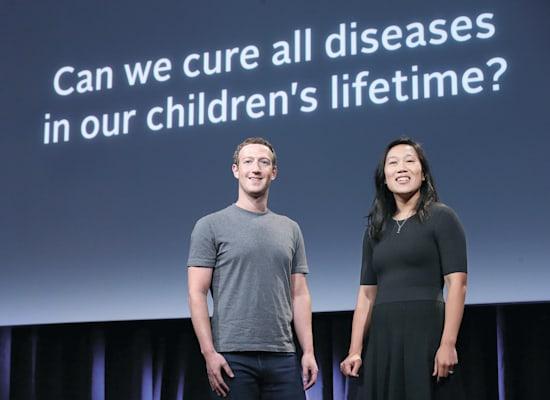 פריסילה ומארק צוקרברג בכנס של הקרן המשותפת שלהם. ''האם נוכל לרפא את כל המחלות בתקופת חייהם של ילדינו?'' / צילום: Associated Press