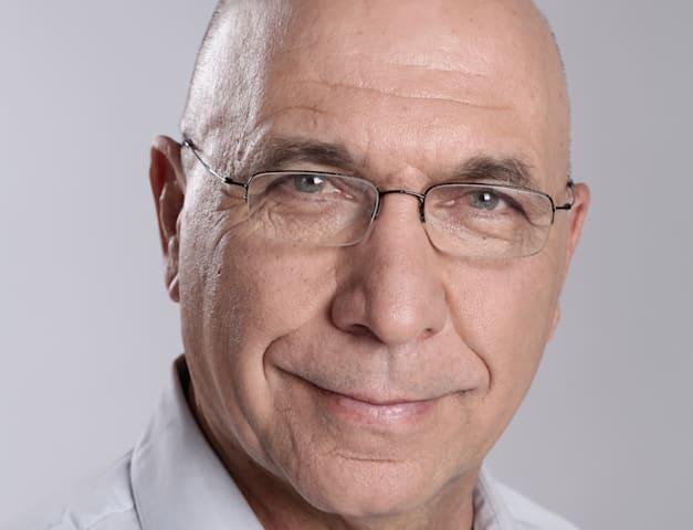 פרופ' צביקה אקשטיין, ראש מכון אהרן למדיניות כלכלית / צילום: אלדד רפאלי