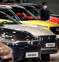 רכבי יונדאי באולם תצוגה בדרום קוריאה / צילום: Reuters, Kim Hong-Ji