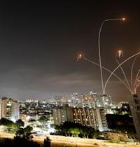 יירוט טילים מעל שמי אשקלון / צילום: Reuters, Amir Cohen