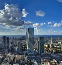 קו הרקיע של תל אביב. מחירי הנדל''ן בעיר עולים ודוחקים ממנה אוכלוסיות / צילום: Shutterstock, EAZN