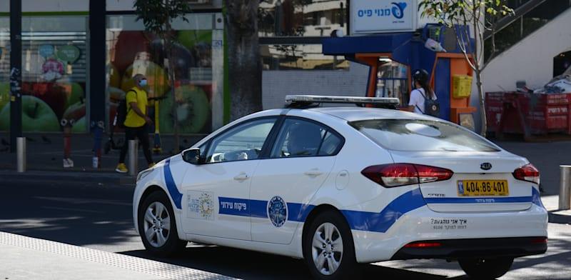 """רכב של פיקוח עירוני בת""""א / צילום: איל יצהר"""