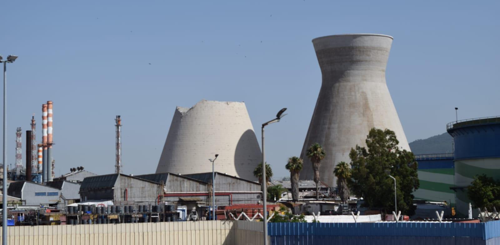 בתי הזיקוק של בזן במפרץ חיפה / צילום: בר - אל
