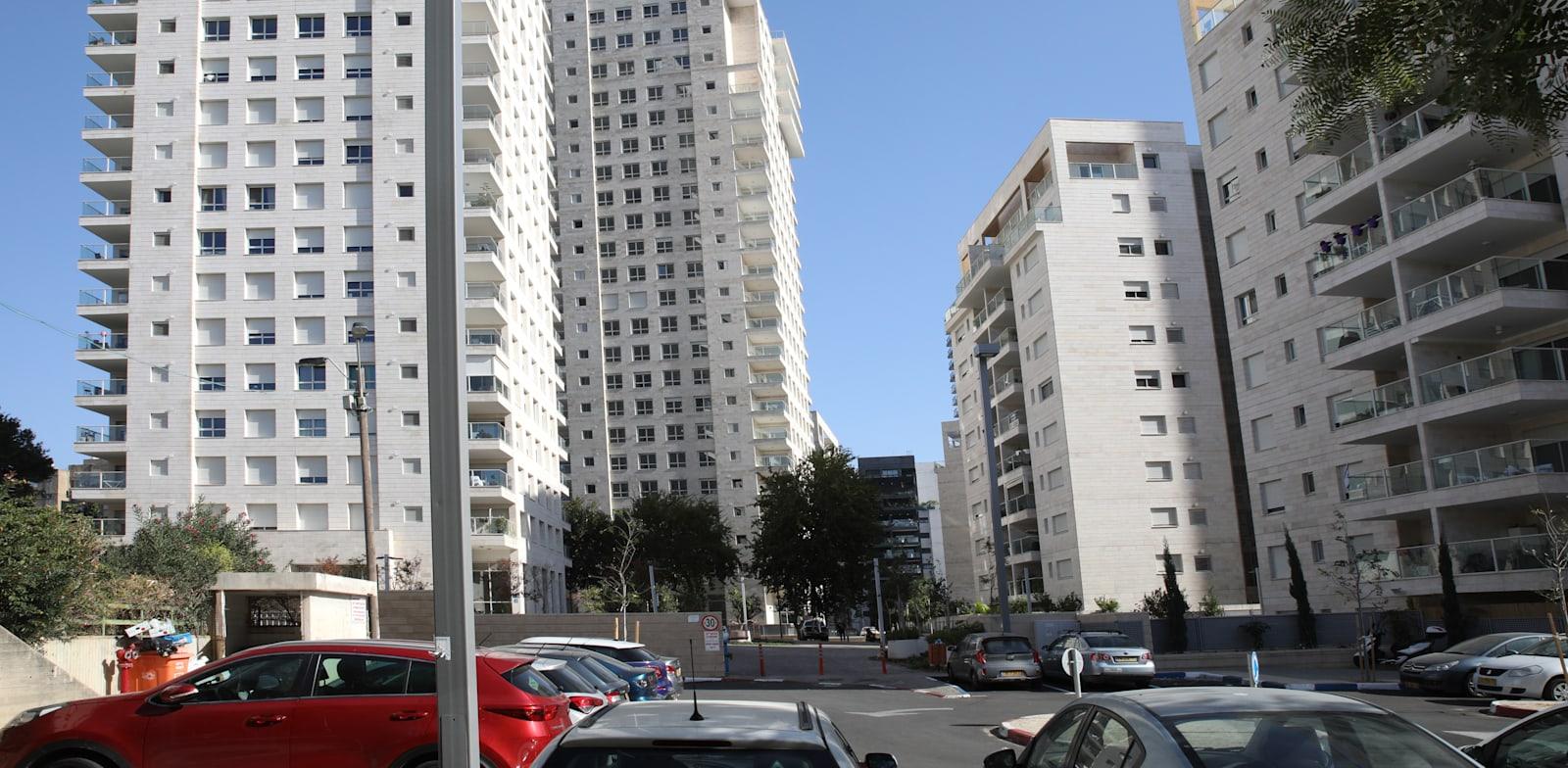 """בנין רחוב בית אל 17 ת""""א / צילום: כדיה לוי"""