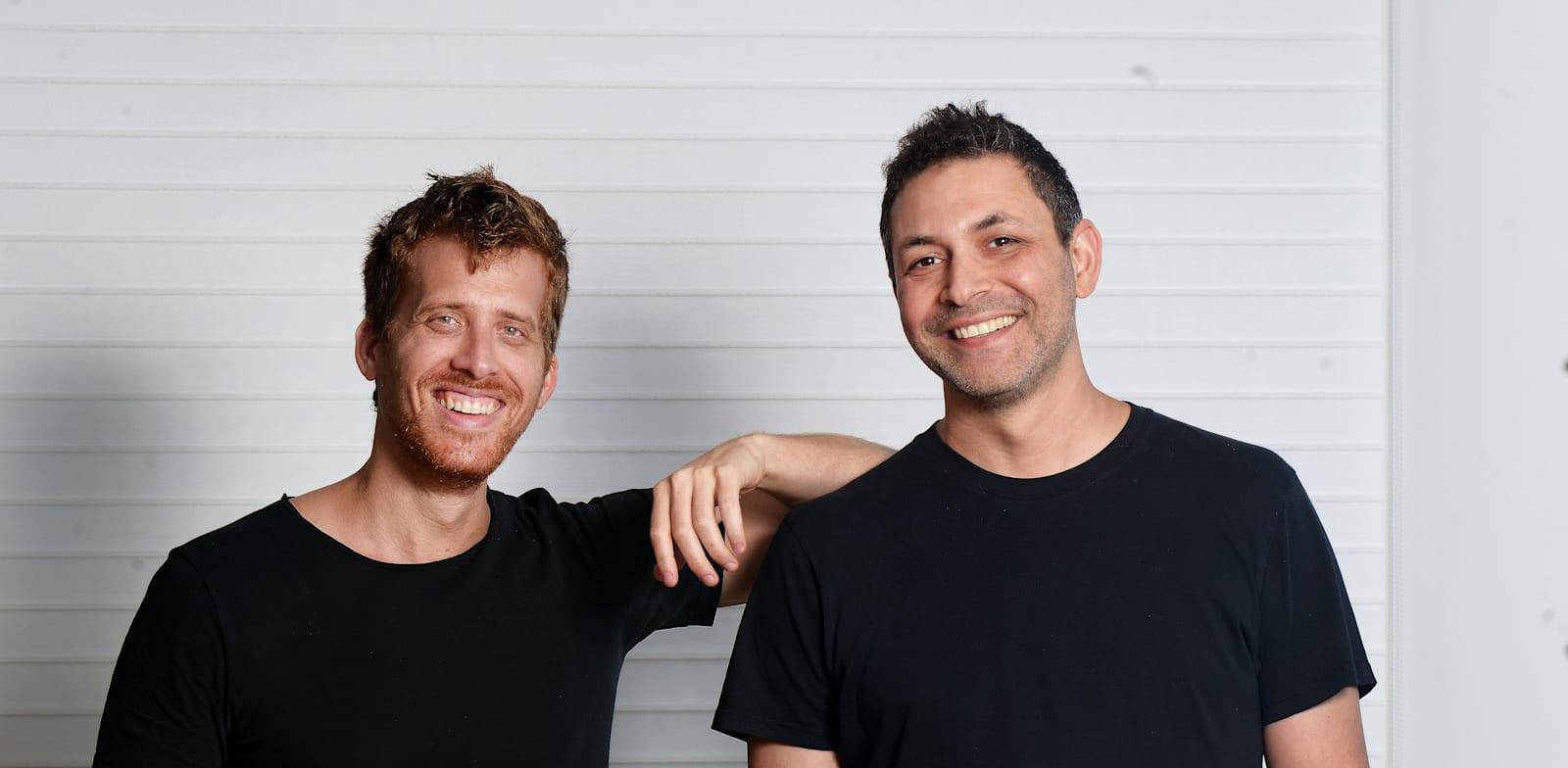 ערן זינמן ורועי מן, מייסדי חברת מאנדיי / צילום: איל יצהר