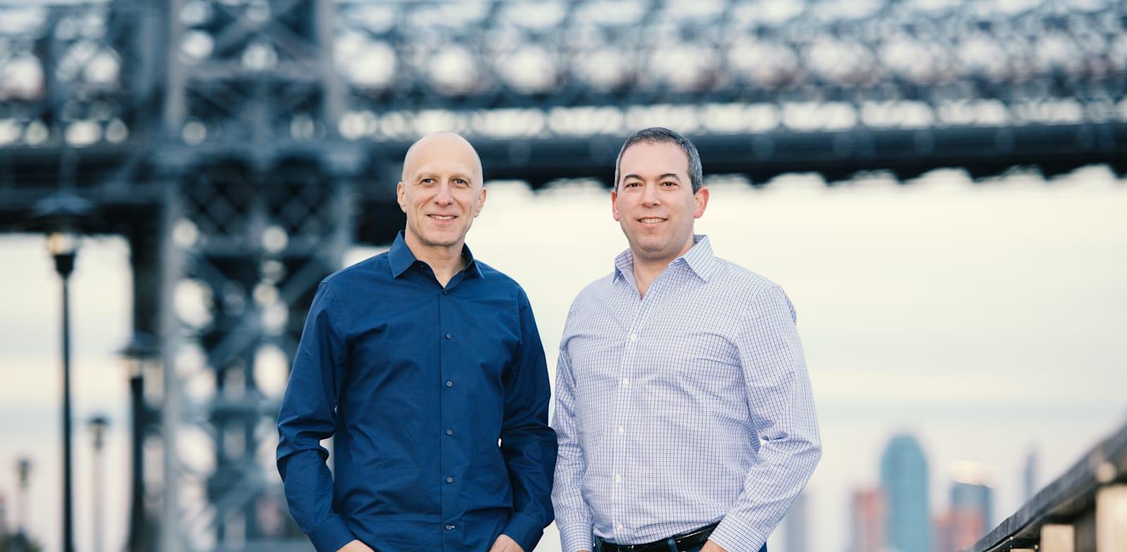 """ירון גלאי (מימין) ודייויד קוסטמן (משמאל), מנכ""""לים משותפים של אאוטבריין / צילום: נועם גלאי"""