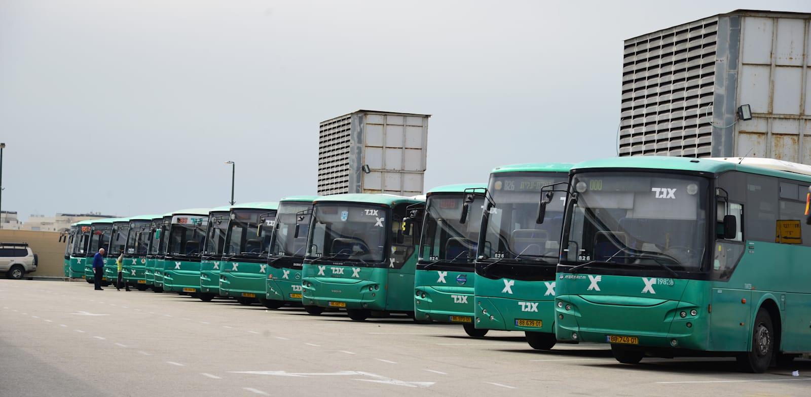 ספקי התחבורה הציבורית תלויים לחלוטין בחסדי הרגולטור