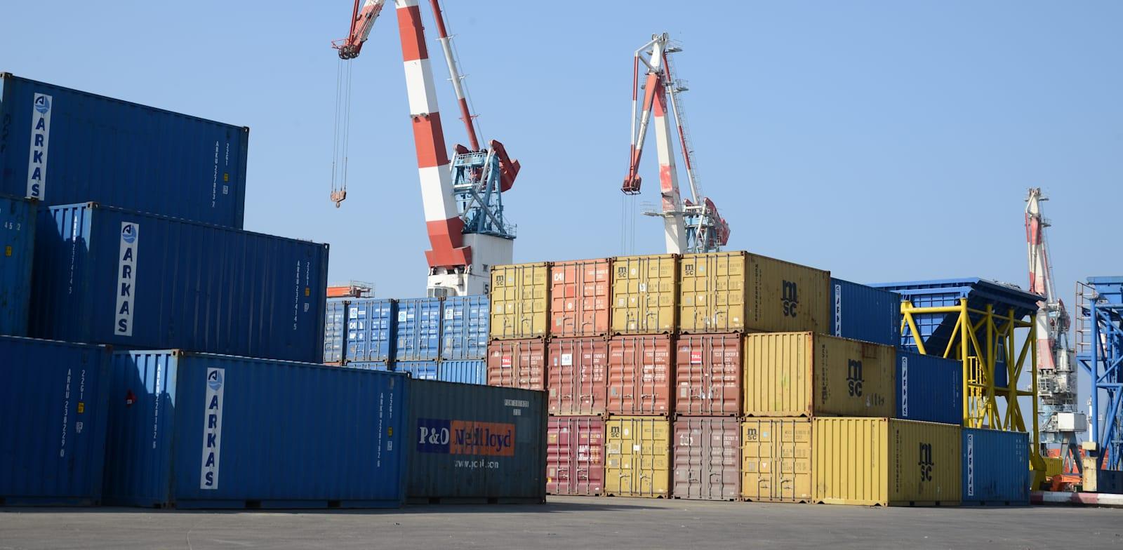 נמל אשדוד - מכולות / צילום: איל יצהר