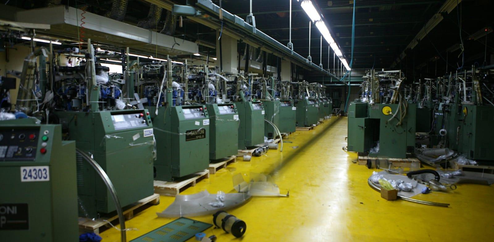 מפעל תפרון בכרמיאל / צילום: עינת לברון