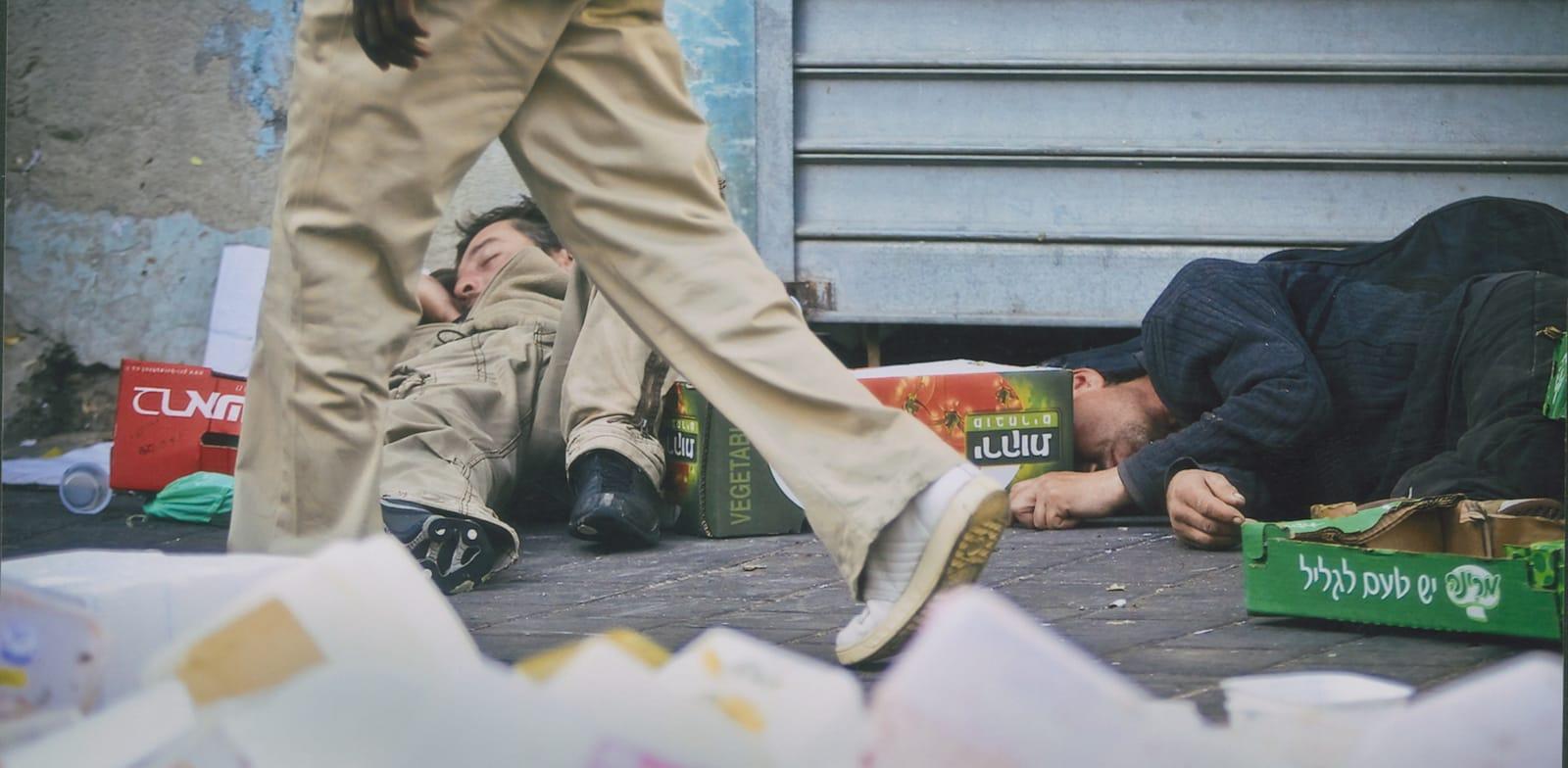 הומלס ישן ברחוב / צילום: דימה וזינוביץ