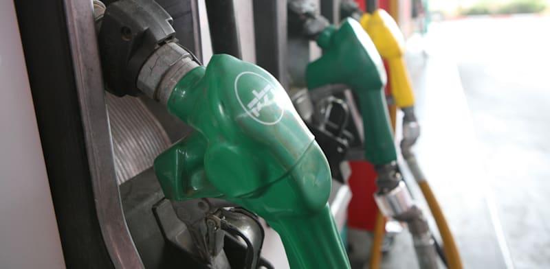 תחנת דלק. עלייה של 5 אגורות במחיר / צילום: עינת לברון