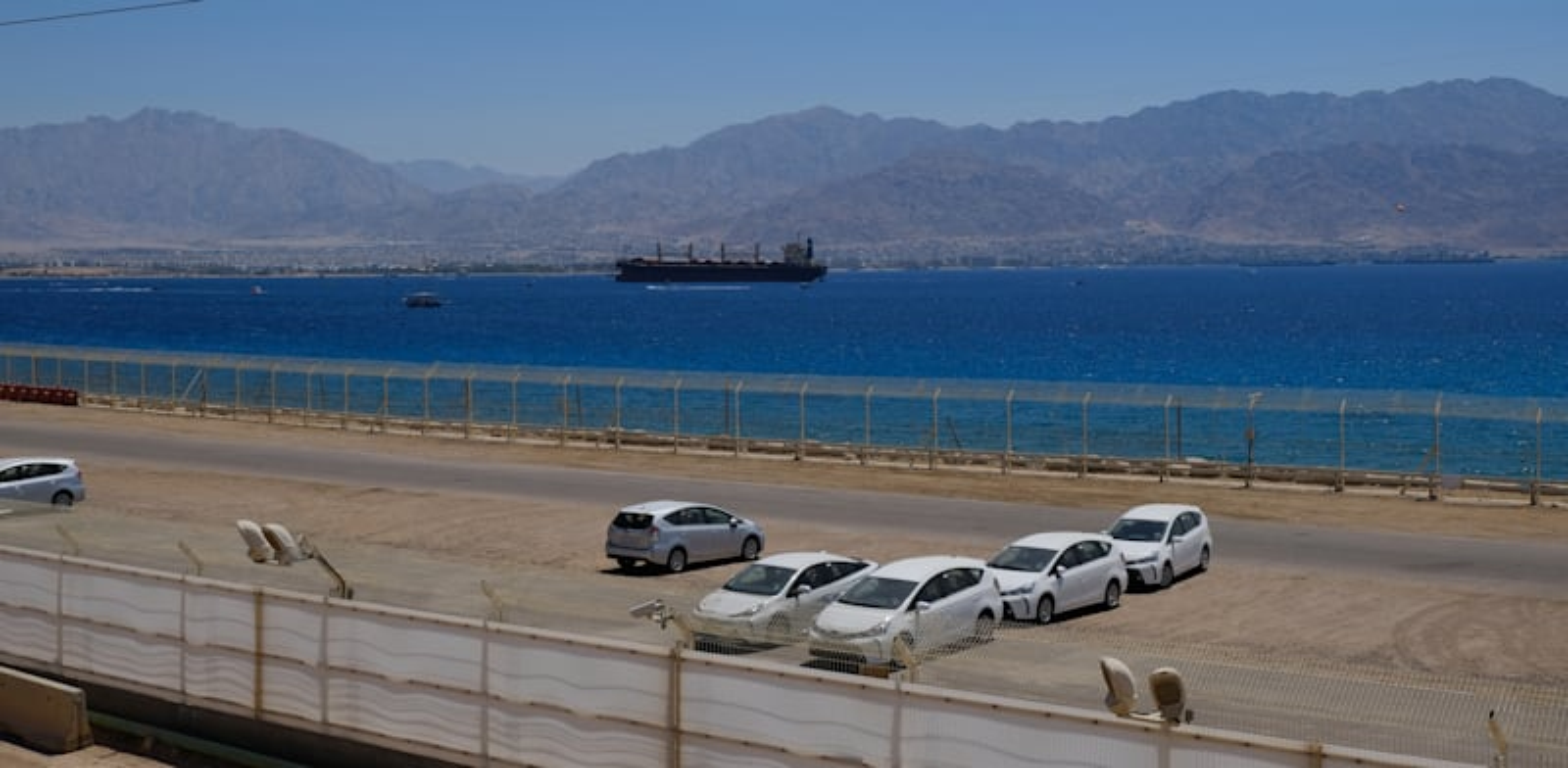 רכבים בנמל אילת / צילום: איל יצהר