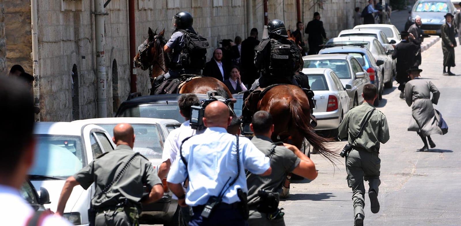 שוטרים בשכונת מאה שערים בירושלים / צילום: אוריה תדמור