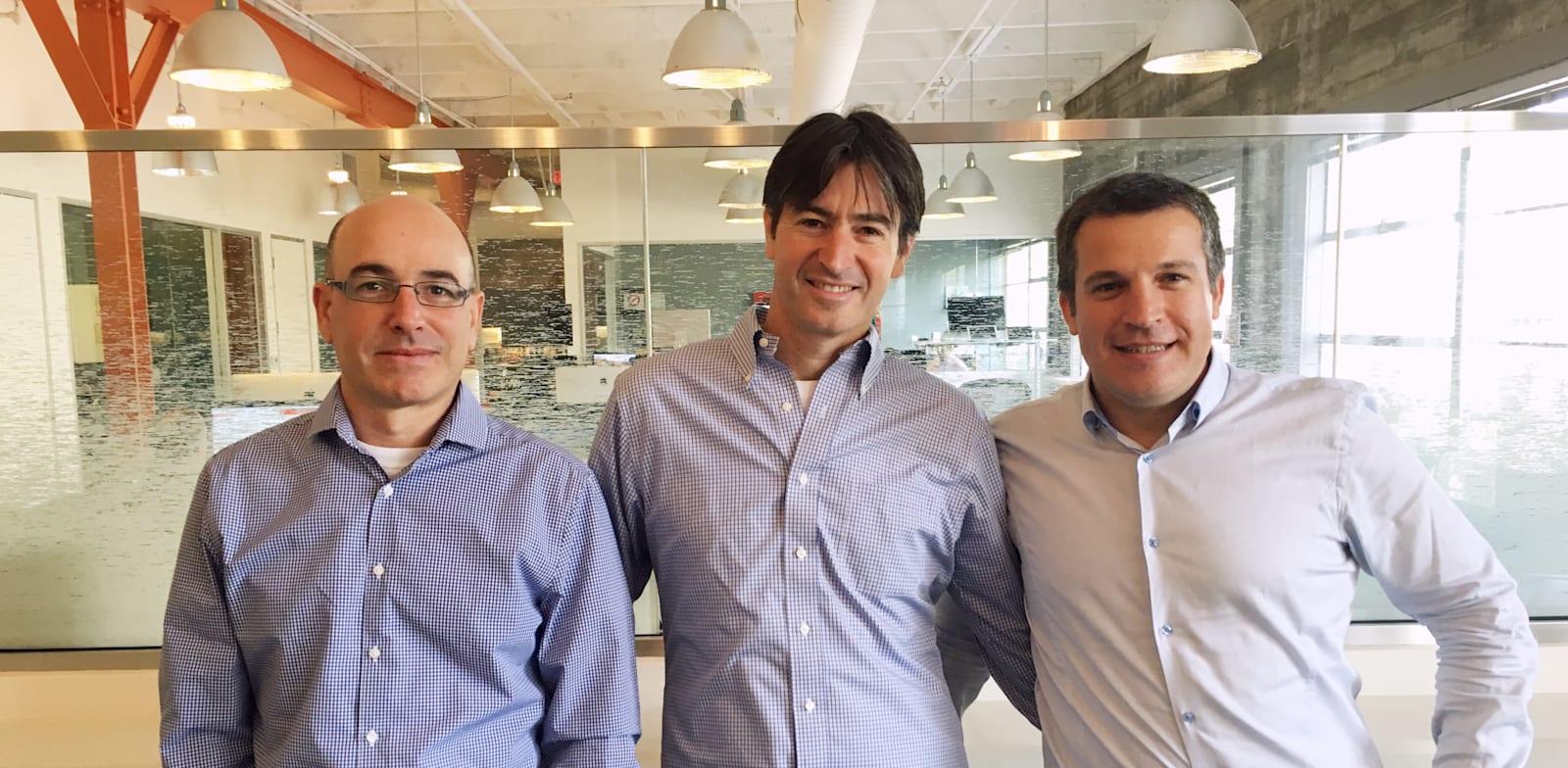 מייסדי Next Insurance, אלון חורי, גיא גולדשטיין ונסים טפירו / צילום: קרדיט: נקסט אינשורנס