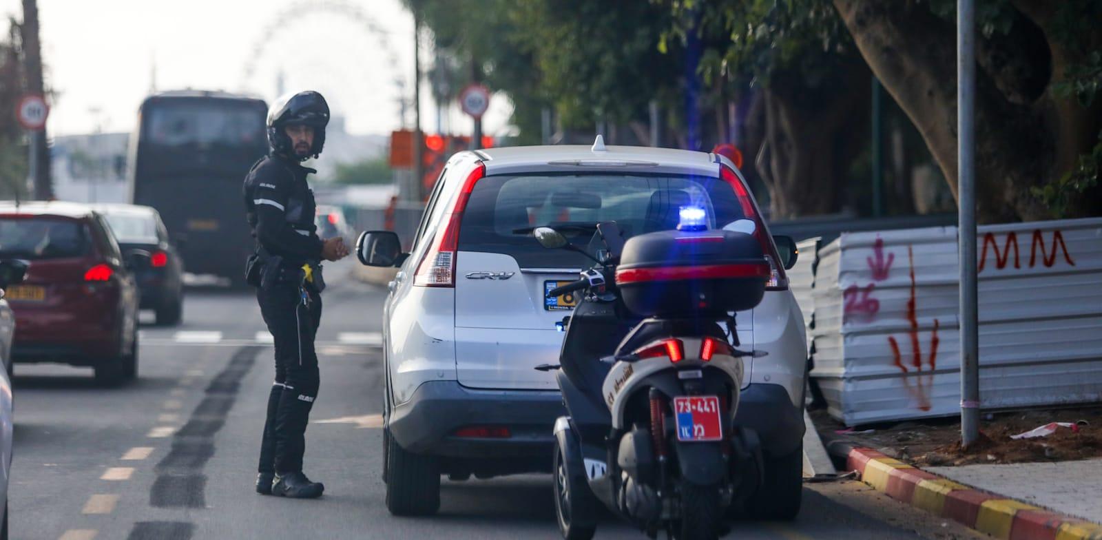 אנשים שמצייתים לחוקי התנועה מצייתים יותר גם לחוקי הקורונה ולהיפך / צילום: שלומי יוסף