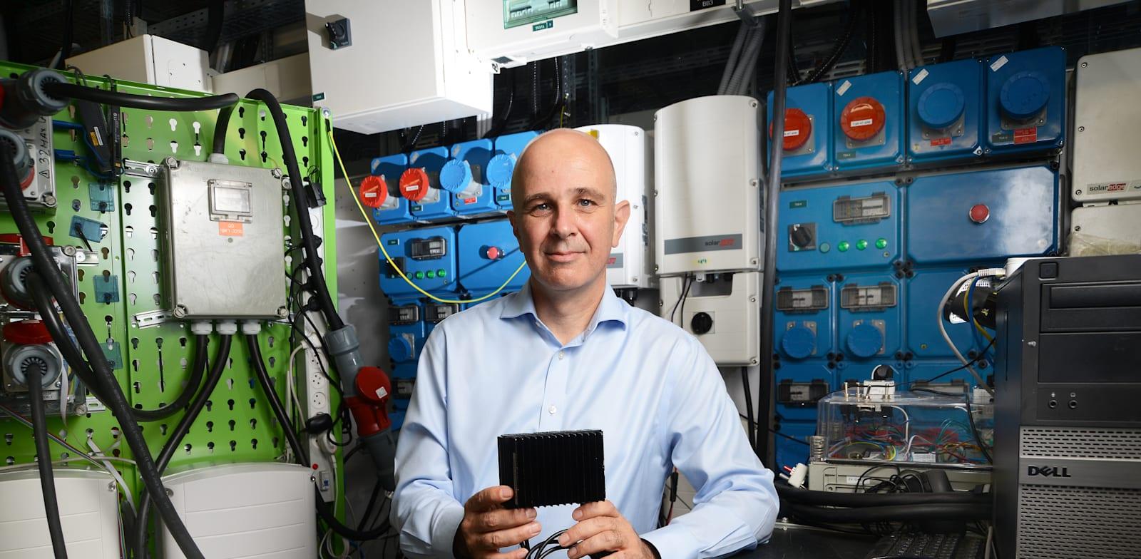 """רונן פייר, סמנכ""""ל הכספים של חברת סולאראדג' / צילום: איל יצהר"""