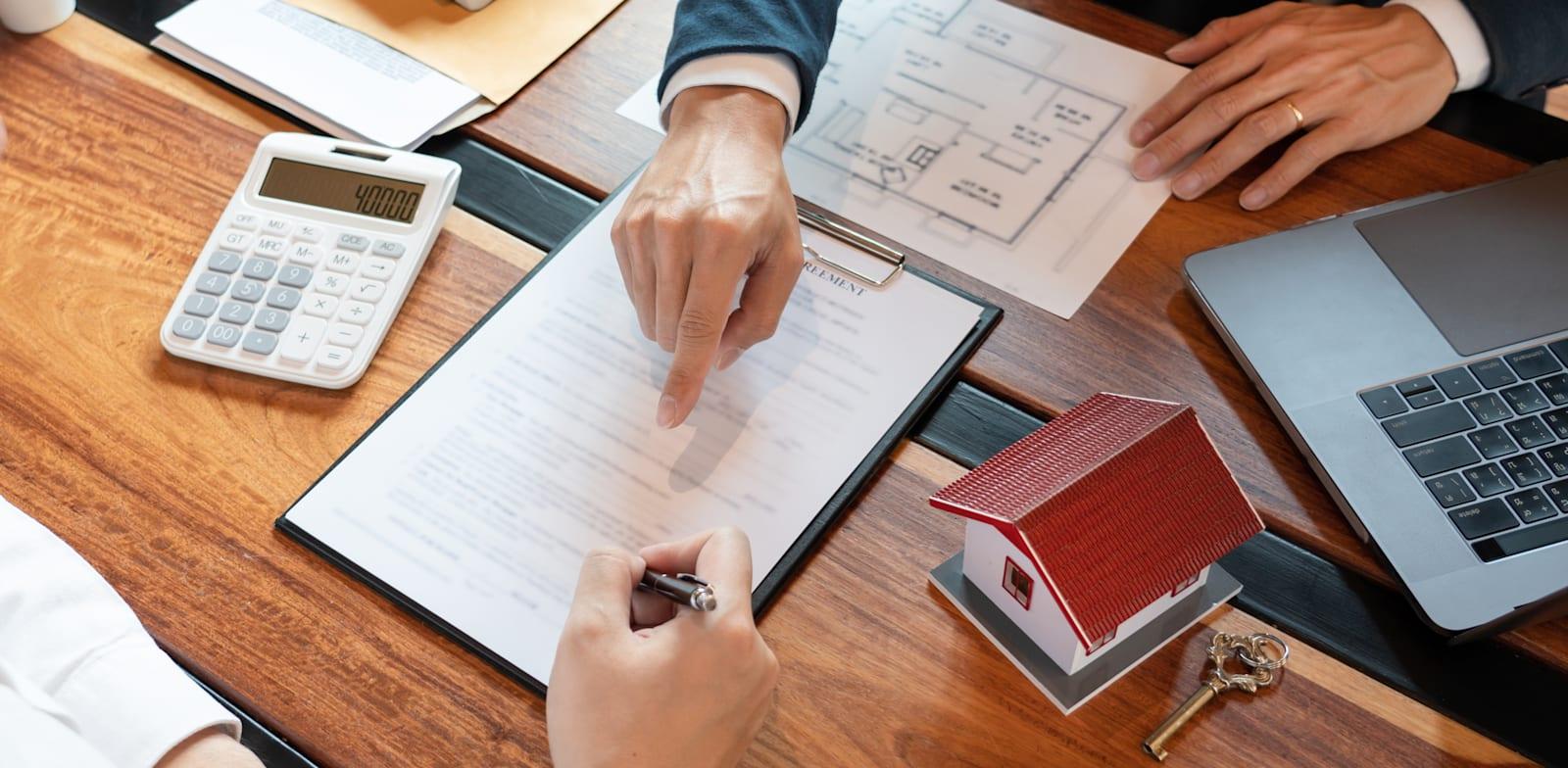 """עסקאות נדל""""ן / צילום: Shutterstock"""