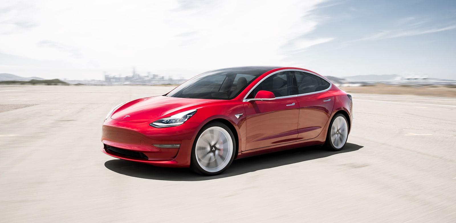 Tesla 3 Standad Range / צילום: Shutterstock
