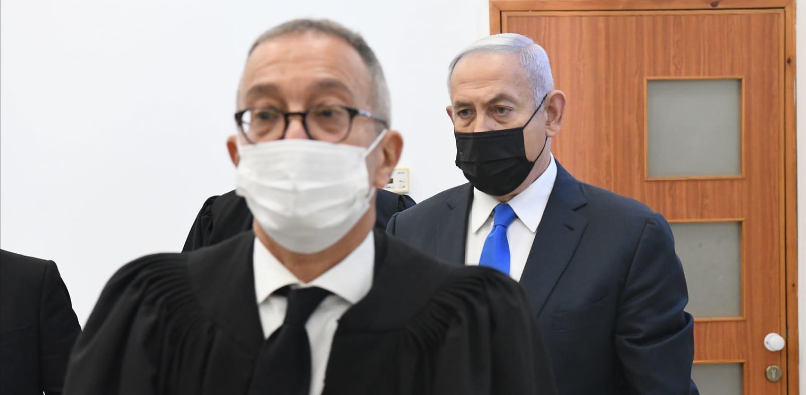 """עו""""ד בעז בן-צור במשפטו של בנימין נתניהו / צילום: ראובן קסטרו, וואלה! NEWS"""